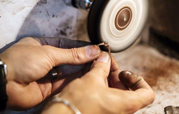 traumtag-fuer-zwei-muenchen-ring-goldschmiede