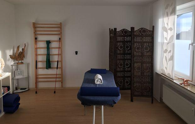 aromaoelmassage-paderborn-massageliege