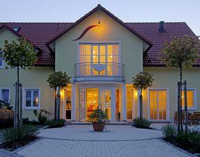 Zauberhafte Unterkünfte (Landhotels für Zwei) Hollerhöfe Landhaus zum Hirschen - Brotzeit
