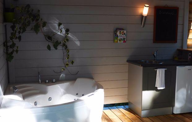 uebernachten-bubble-hotel-dournazac
