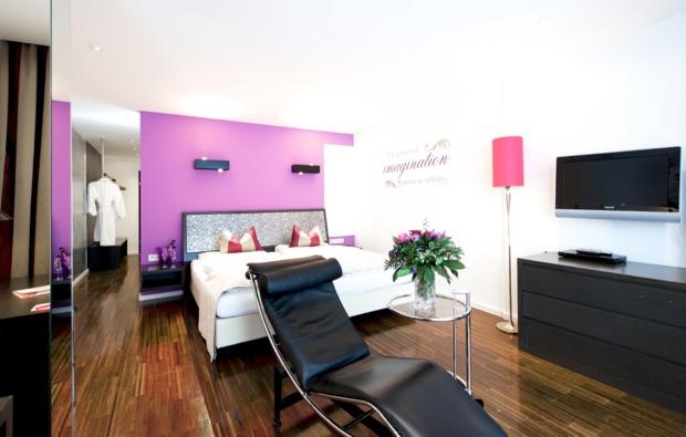 wellness-wochenende-deluxe-seefeld-in-tirol-schlafzimmer