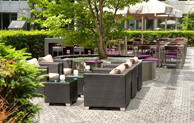 romantikwochenende-muenchen-terrasse
