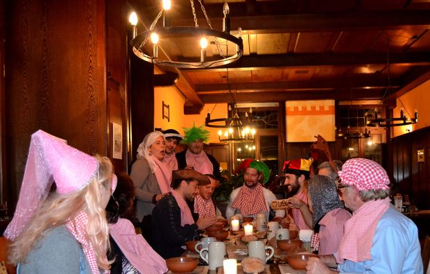 ritteressen-historisches-dinner-freudenberg-party