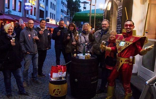 comedy-stadtfuehrung-koeln-koelsch-trinken
