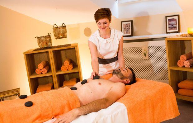 fussreflexzonenmassage-bad-fuessing-massage
