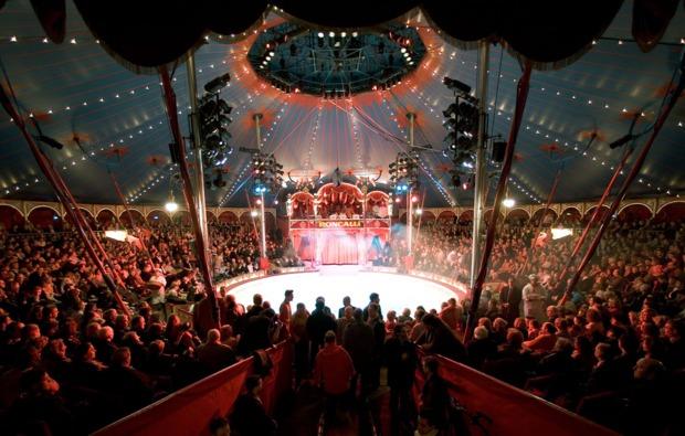 circus-roncalli-graz-auftritt-manege