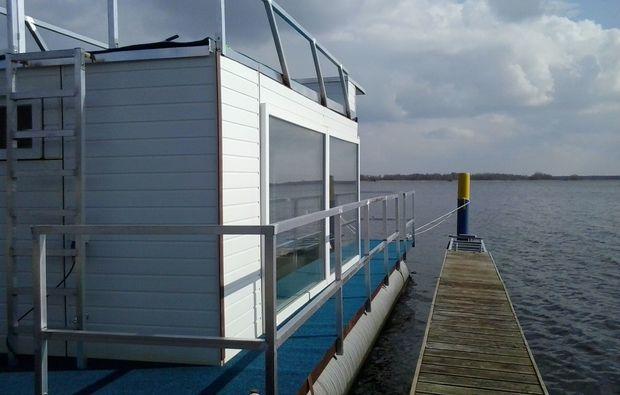 aussergewoehnlich-uebernachten-hausboot-brandenburg-an-der-havel