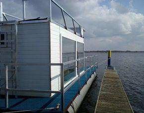 Übernachtung auf dem Hausboot für Zwei (inkl. Sonnendeck) im Hausboot