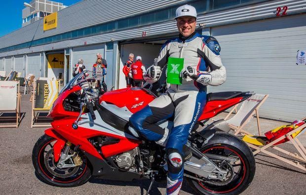 motorrad-renntaxi-klettwitz-adrenalin