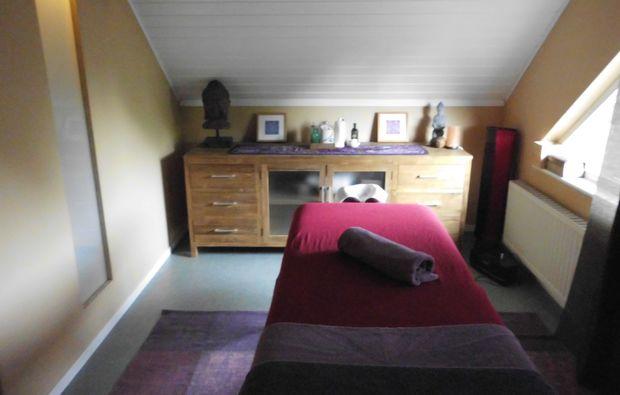 ayurveda-massage-kalkar-niedermoermter-entspannung
