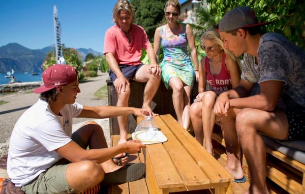 aktivurlaub-im-wasser-brenzone-kitesurf-kurs