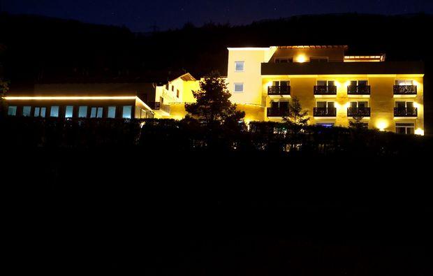 aussergewoehnlich-uebernachten-alland-hotel