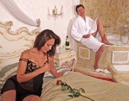 Außergewöhnlich Übernachten - 1 ÜN - Themenzimmer Sisi im Themenzimmer Sisi - 6-Gänge-Menü, Secret Passion Box