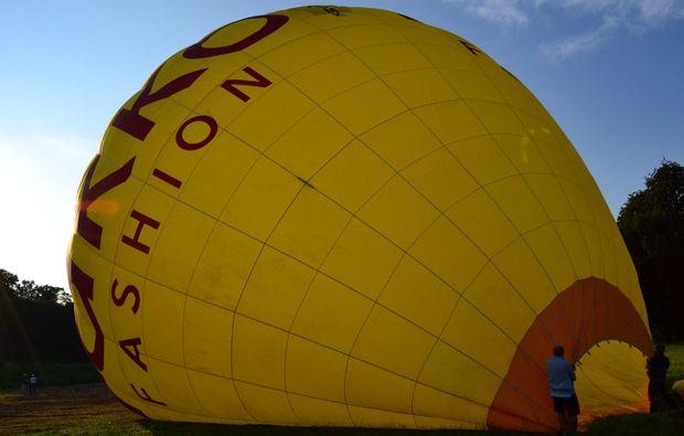 ballonfahrt-muenster-ballon-aufruesten