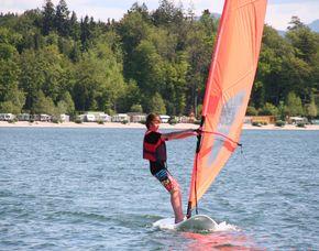 windsurf-kurs-herrsching-junge