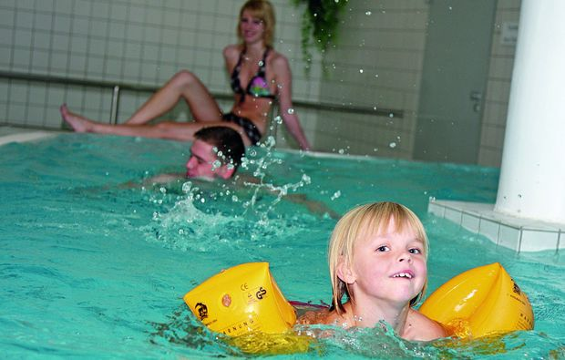 kurzurlaub-waldmuenchen-schwimmbad