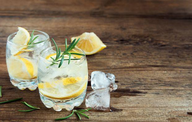 gin tasting in hannover als geschenk mydays. Black Bedroom Furniture Sets. Home Design Ideas
