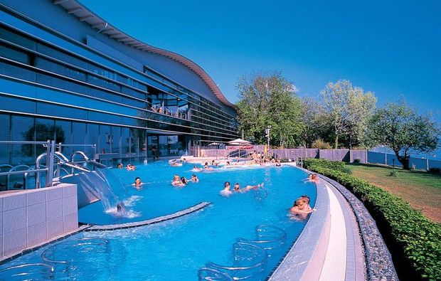 thermen-spa-hotels-ueberlingen-pool