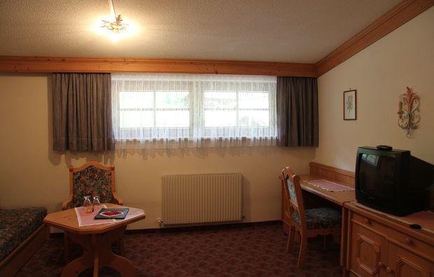 zauberhafte-unterkuenfte-tux-wohnzimmmer