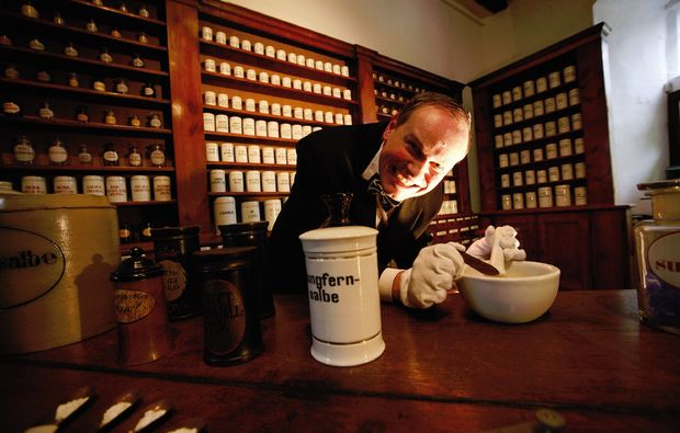 krimidinner-muenchen-apotheker
