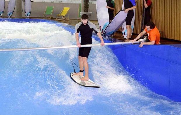 indoor-surfkurs-muenchen-training