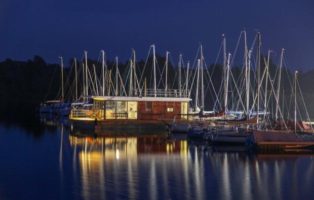 hausboot-uebernachtung-braunsbedra-bg1