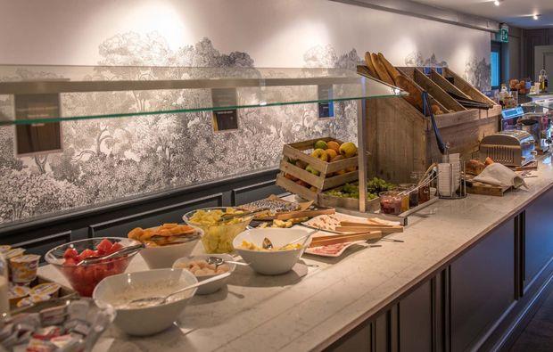 romantikwochenende-chavannes-de-bogis-buffet