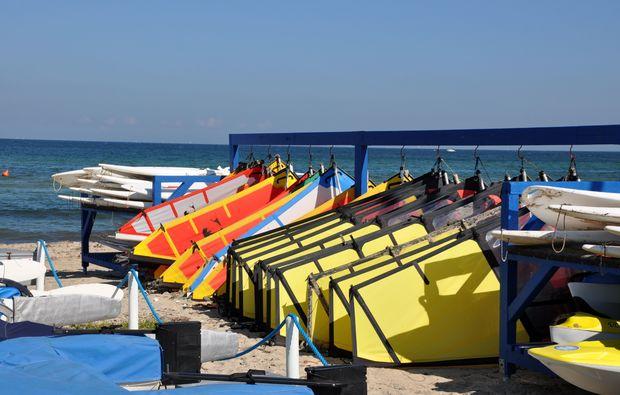 windsurf-schnupperkurs-schwedeneck-surendorf-surfbrett