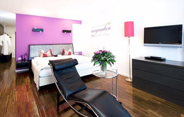 schlemmen-traeumen-seefeld-in-tirol-schlafzimmer