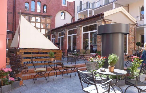 kuschelwochenende-stralsund-terrasse