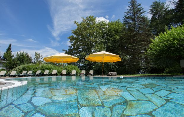 wellnesshotels-willingen-upland-schwimmbecken