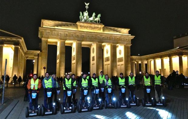 segway-city-tour-berlin-nacht