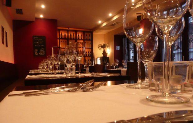 candle-light-dinner-gedeckter-tisch-koeln