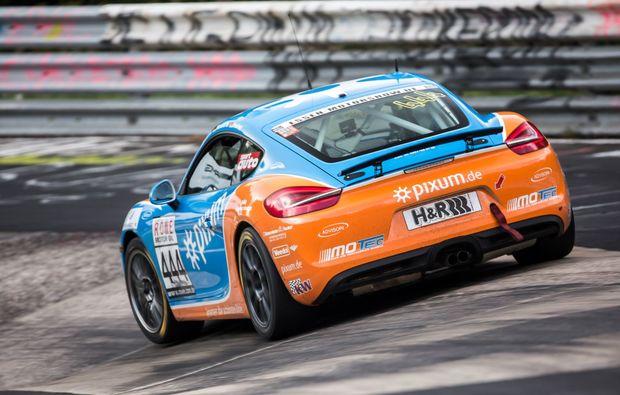 porsche-cayman-fahren-nuerburgring-adrenalin