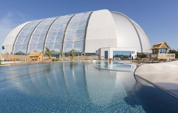 therme-berlin-schwimmbad