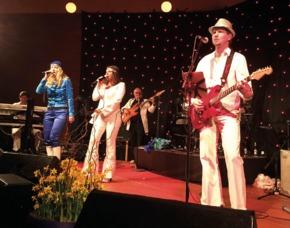 ABBA Royal – The Tribute Dinnershow - 79 Euro - Burg Gleiberg - Wettenberg Burg Gleiberg – 4-Gänge-Menü