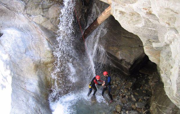 rafting-wochenende-mayrhofen-wasserfall