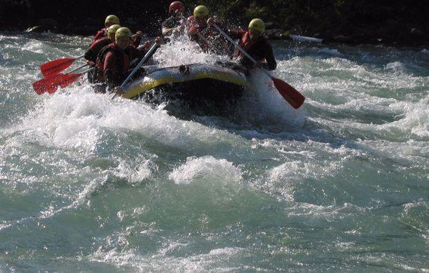 wildwasser-rafting-wochenende-mayrhofen
