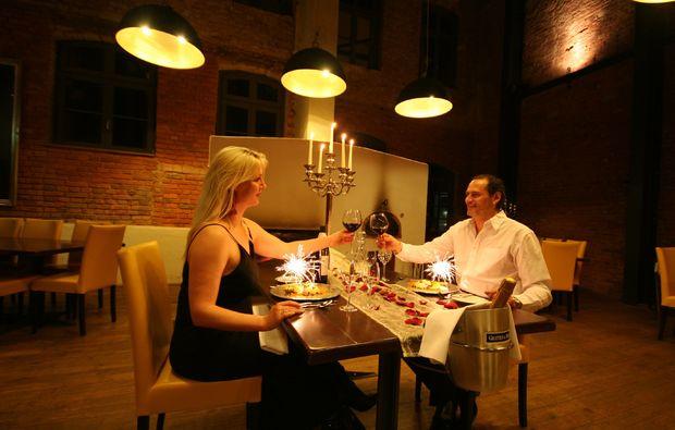 romantikwochenende-ostbevern-paar