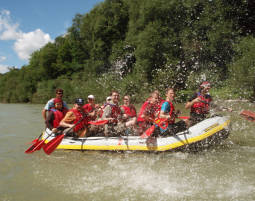 Bachelor-Party Bootstour (Lenggries nach Bad Tölz) Isar, Junggesellen-Bootstour, bis zu 12 Personen - ca. 3 Stunden