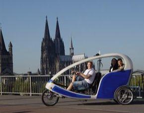 Stadtrundfahrt - Velotaxi-Tour Velotaxi-Tour