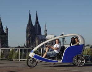 stadtrundfahrt-velotaxi