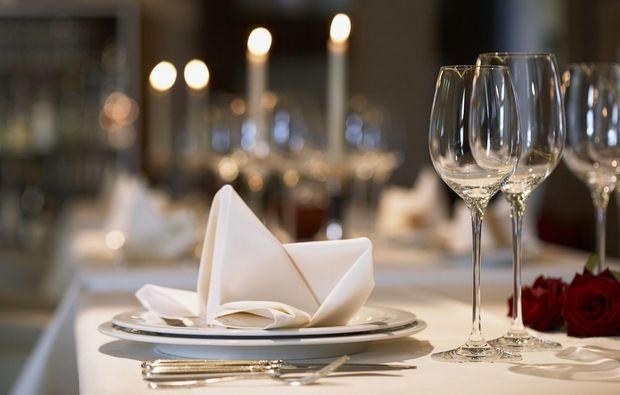 wine-dine-bern-dinner-tisch