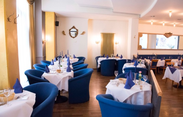 dinner-variet-in-leipzig-krystallpalast