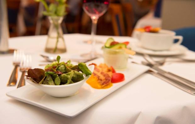 dinner-variet-in-leipzig-salat