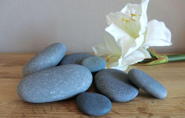 hot-stone-massage-langquaid-steine