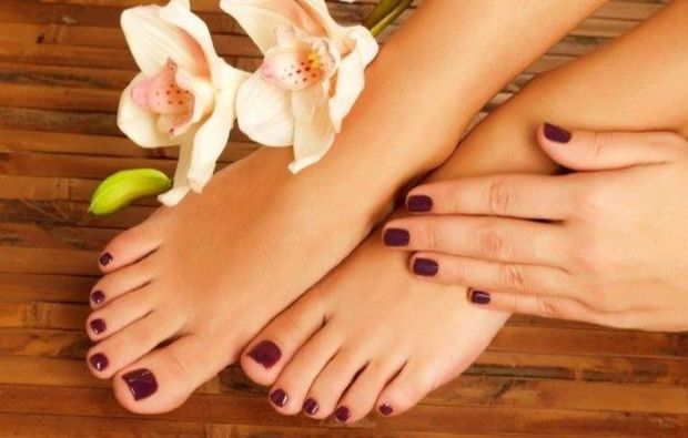manikuere-kappelrodeck-nagellack