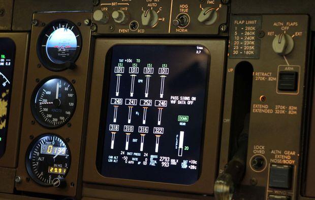 flugsimulator-boeing-747-koeln-instrumente