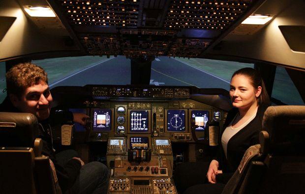 flugsimulator-boeing-747-koeln-pilot