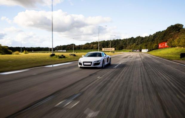 audi-r8-selber-fahren-3-runden-bg1